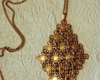 Sarah Coventry Vintage Pendant and Chain