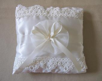Ring bearer pillow, Ivory wedding ring pillows,