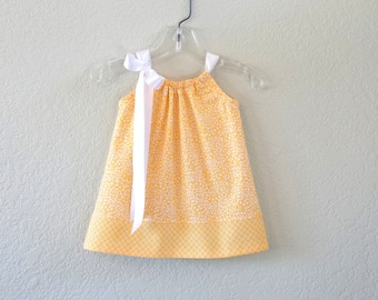 New! Baby Girls Yellow and White Dress and Bloomers Outfit - Baby Girls Coming Home Outfit - Infant Layette - Size Nb, 3m, 6m, 9m,12m or 18m