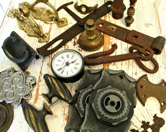 ViNTaGe ASSoRTMeNT oF HaRDWaRe - GReaT FoR MiXeD MeDia & ART WoRK