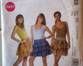 "McCalls Skirt Pattern 6289 Size: 14-20,  Waist 28""-34"", Hip 38""-44"""