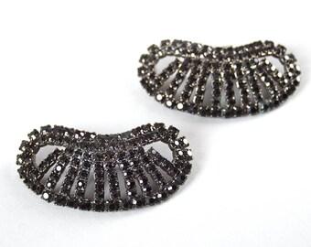 Vintage 1950s Shoe Clips   50s Black Rhinestone Sparkly Oval Shoe Decorations