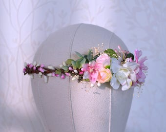 Spring bridal crown, Romantic hair crown, Pink hair wreath, Pink wedding crown, Pink flower crown, Pink floral hair piece, Pink halo, berry