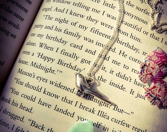 Bookish Jewellery Collection - America's Songbird Necklace (The Selection Series Inspired)