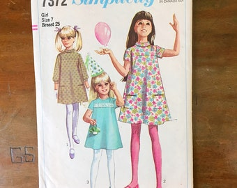 Vintage Sewing Pattern Simplicity 7372 Girl's Dress 1960s Mini Size 7 25