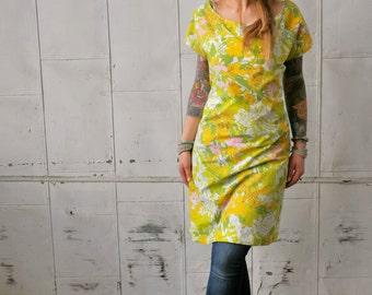 Vintage Retro Floral Printed Off the Shoulder Eco Dress with Cap Sleeve|Day Dress|Knee Length Dress|Plus Size Dress|Open Back Dress|