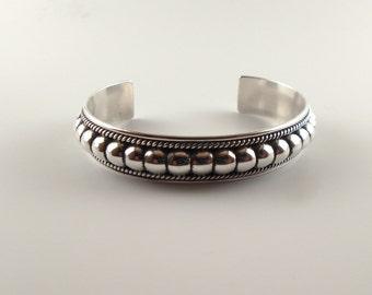 Silver bracelet navajo // navajo silver bracelet // navajo jewelry // navajo // silver bracelet // navajo silver // bracelet