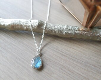 Labradorite Necklace, Sterling Silver, Simple Gemstone, Genuine Labradorite, Simple Labradorite, Minimalist Labradorite, Geometric Necklace