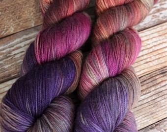 Ines - Florence - Hand Dyed Yarn - 100% Super Wash Merino