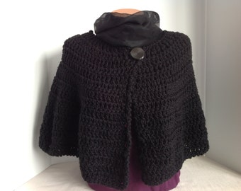 Soft & Chunky Capelet