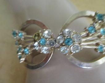Vintage costume jewelry  / rhinestone clamp bracelet