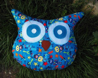 OWL-OWL pillow hand embroidered, approx, blue with little robots 32x38cm ideal baby boy