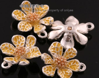 4Pcs -15mmX13mm Silver Plated over Brass Daisy with Enamel Charms Pendant-Yellow(K643S-E)