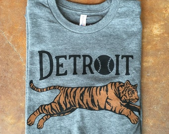Detroit Baseball Leaping Tiger Silkscreened T-Shirt (Sizes: XS,S,M,L,XL,2XL)