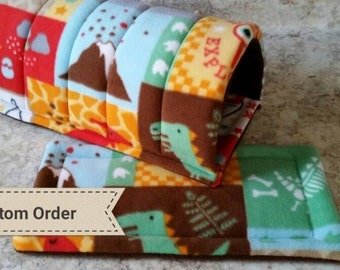 Custom fleece tunnel for guinea pigs, rabbits, hedgehogs; Fleece cosy tunnel with absorbent pad