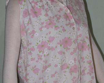 "Plus size pink floral sleeveless top, vintage 1960's, 42"" bust"