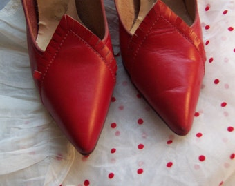 50s Red Leather Pumps