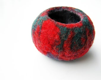 Small felted ring bowl- wool vessel- eco friendly home decor- wet felted wool bowl- rustic- organic- gift for home- ring bowl- red and green