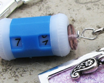 Row Counter with Non-Snag Stitch Marker