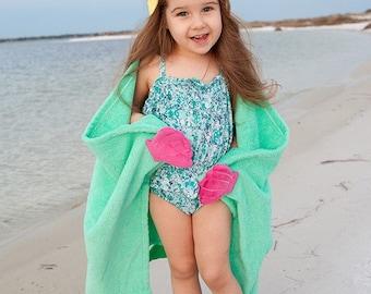 Mermaid Hooded Towel - Hooded Beach Towel - Mermaid Towel - Kids Character Towel - Hooded Beach Towel - Mermaid Birthday - Mermaid Gift