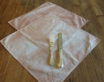 Naturally dyed napkins