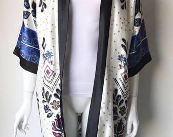 Vintage Silk Blue & White Kimono Robe Size S