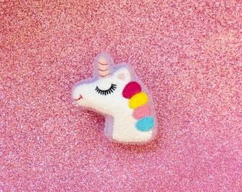 Unicorn Brooch - Cute Unicorn -  Unicorn Jewelry - Unicorn Gifts - Unicorn Pin - Kawaii Pin - I Believe in Unicorns - Cute Party Favor