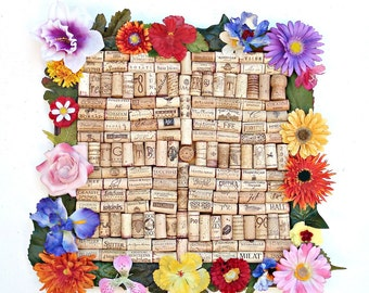 Wine cork bulletin board - Hawaiian Lei flower border