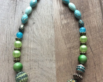 Green Beaded Necklace,handmade necklace,green necklace,gift for her,chunky necklace,personalized gift,authentic necklace,handmade jewelry