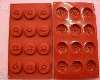 Mold silicone 12 petit fours / pretty flowers 28 X 17 cm