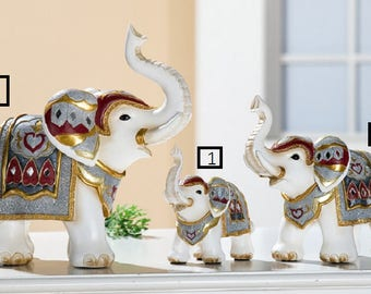 """Statue of """"Mykene"""" resin elephant, Height 4,7 Inches, for decoration or collection. Model 1"""