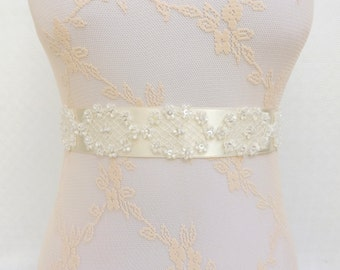 Ivory Bridal Sash Belt. Embroidered floral lace sash belt. Wedding sash belt.