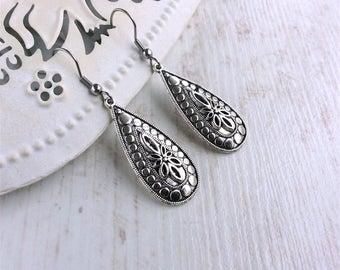 Silver Teardrop Earrings. Silver Drop Earrings. Silver Dangle Earrings. Antique Silver Earrings. Everyday Earrings. Elegant Earrings.