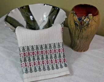 E141 Hand Woven Christmas Table Runner