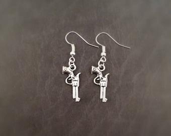 Pistol Earrings, Gun Earrings, Wild west jewelry, steampunk earrings, gun jewellery, revolver earrings, zombie earrings, zombie apocalypse