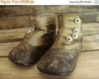 ONSALE Antique Old Worn Edwardian Gorgeous High Button Boots for Child
