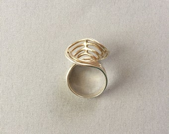 silver twisted ring | minimalist futuristic ring | 925 silver | size 6.5