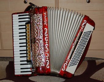 HORCH Piano Accordion with 12 Switches, 41 Keys and 120 Bass. Red. Made in GERMANY.
