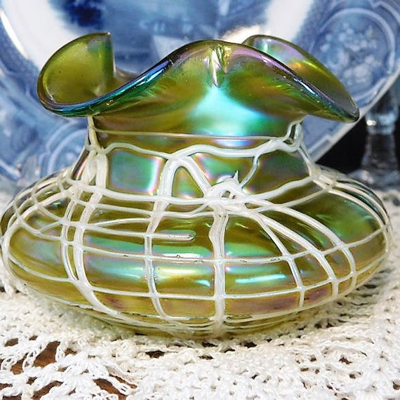 Pallme König Iridescent Threaded Vase / Art Nouveau Jugendstil / Antique Bohemian Art Glass / Victorian 1890-1900