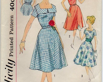 Dress With Square Front V Back Neckline Flared Skirt Optional Collar And Short Sleeves Size 14 Used Vintage Sewing Pattern Simplicity 3044