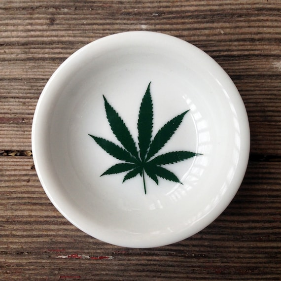 Marijuana Leaf Trinket Dish Ring Holder Any Color!