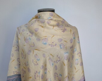 Vintage OVERSIZE PRINTED SILK scarf , hand rolled silk scarf........(243)