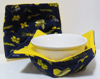 College Team bowl cozies - Michigan Wolverines Fabric - Reversible Bowl Cozy - Microwave Potholder - Set of 2