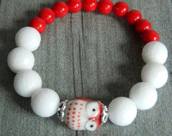 Braselet with ceramic owl, big white agates and red coral, braselet for good luck, braselet on summer