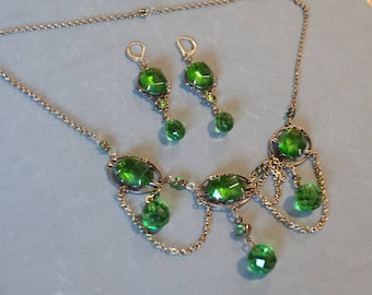 Vintage Green Festoon Necklace Earrings Set Emerald Glass Gold Metal Antique Victorian Style High Quality Statement Jewelry Parure