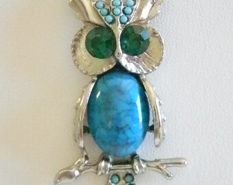Green Eyed Faux Turquoise Silver Tone Owl  Pendant Chain Necklace