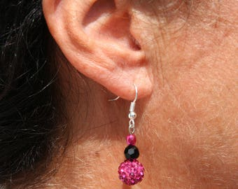 Black and Fuchsia beads earrings