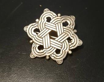 Fabulous 1920's celtic weave silver brooch, vinyl sterling silver art deco pin