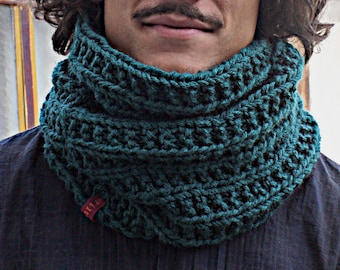 RESERVED! Snood doubled hand knitted wool forest green