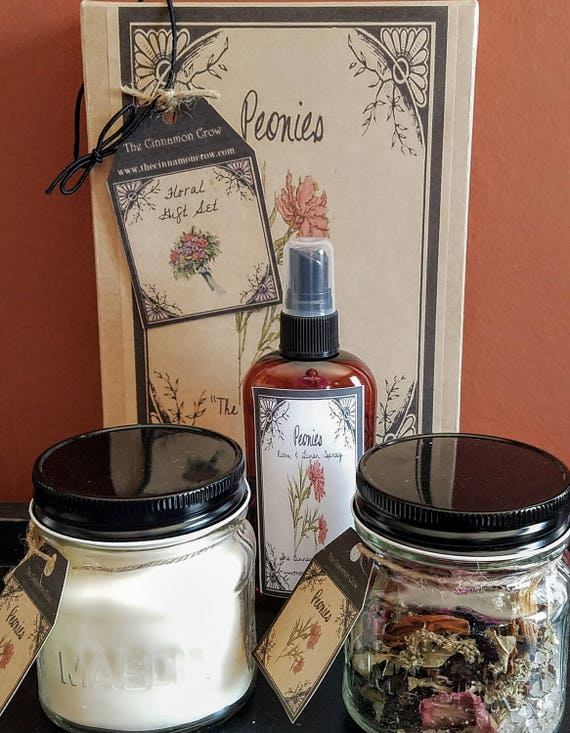 Hand Made Spring Flowers Gift Box ~ Hand Poured Soy wax candle~ Room Spray ~ Jar Potpourri~Peony